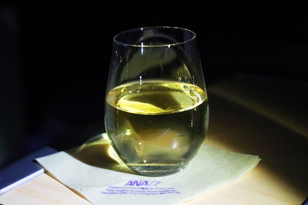 ANAビジネスクラス 白ワイン