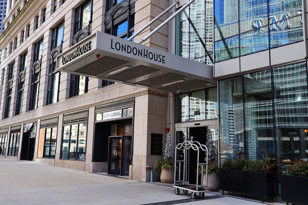 ロンドンハウスシカゴエントランス