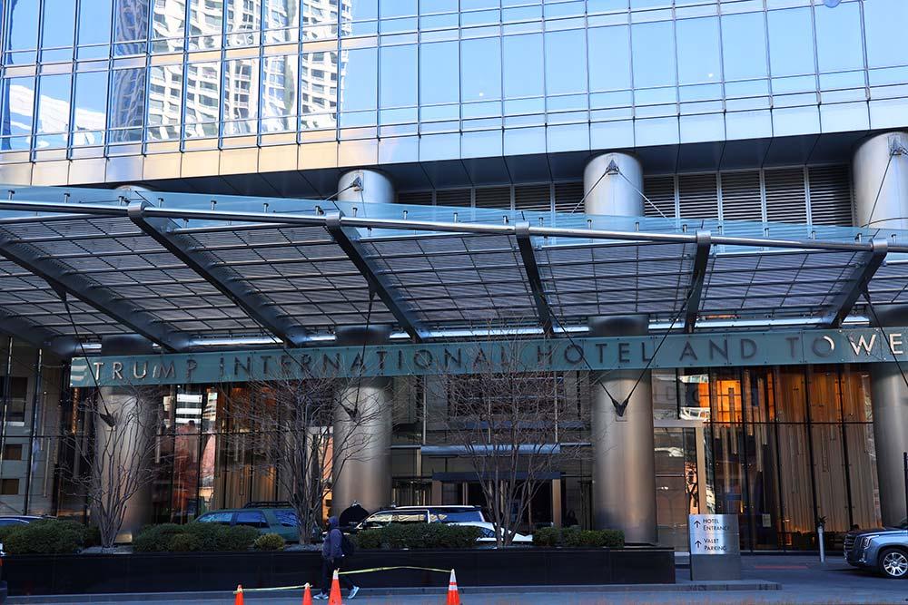 トランプタワーシカゴホテル入り口