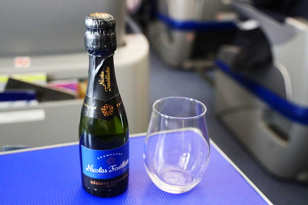 ANAプレミアムクラス シャンパン