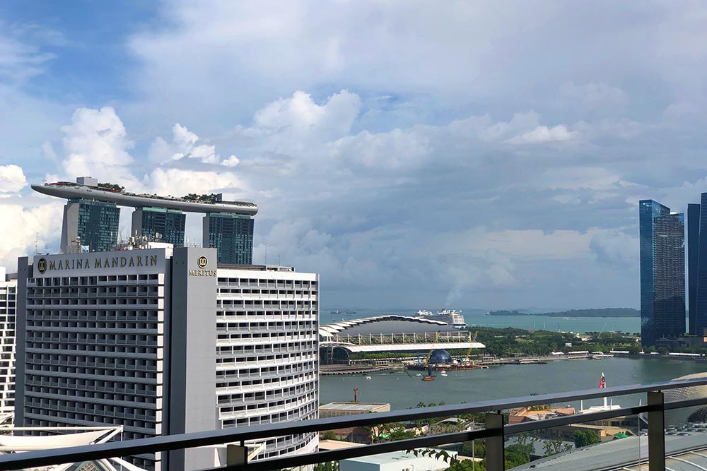 JW MARRIOTT HOTEL SINGAPORE SOUTH BEACHプールサイドの景色