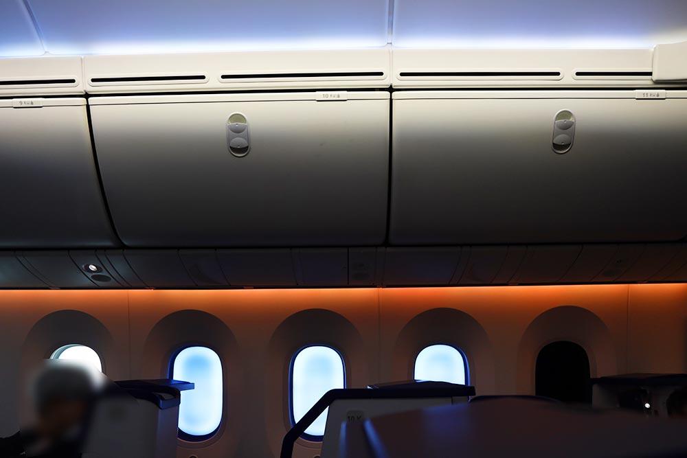 ANA機内照明