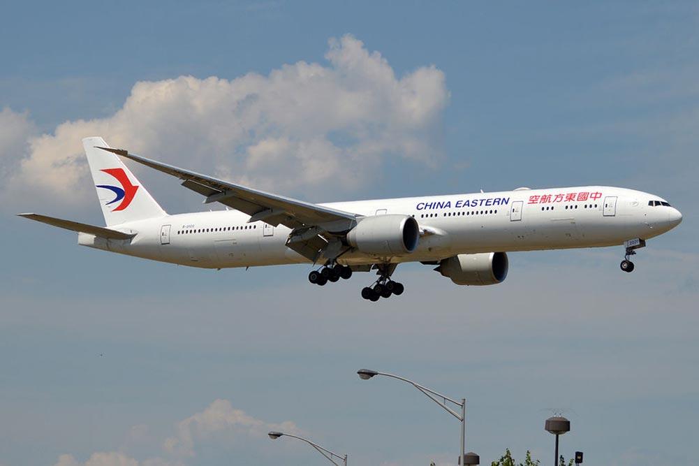 中国東方航空B777-300ER
