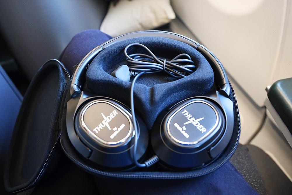 エバー航空ビジネスクラス ノイズキャンセリングヘッドフォン