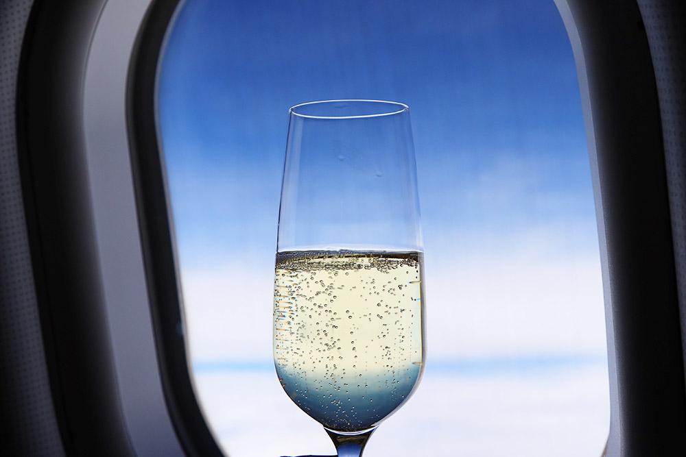 エバー航空ビジネスクラス シャンパン