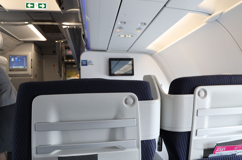 ANA A321neoプレミアムクラスシート背面