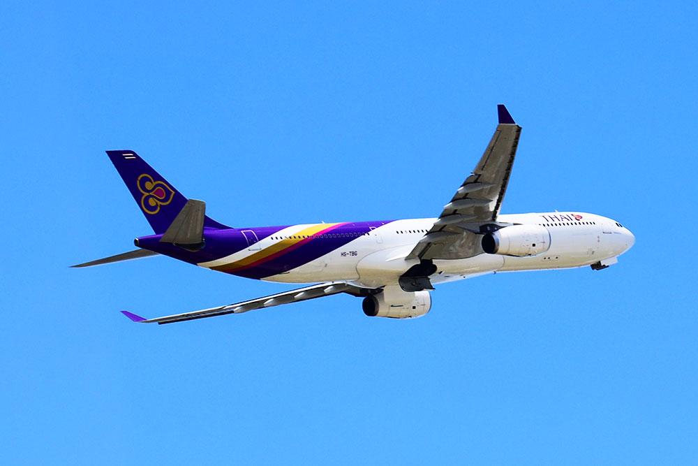 ANAスイートラウンジ福岡 離陸タイ国際機