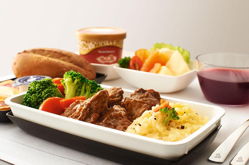 シンガポール航空プレミアムエコノミー機内食