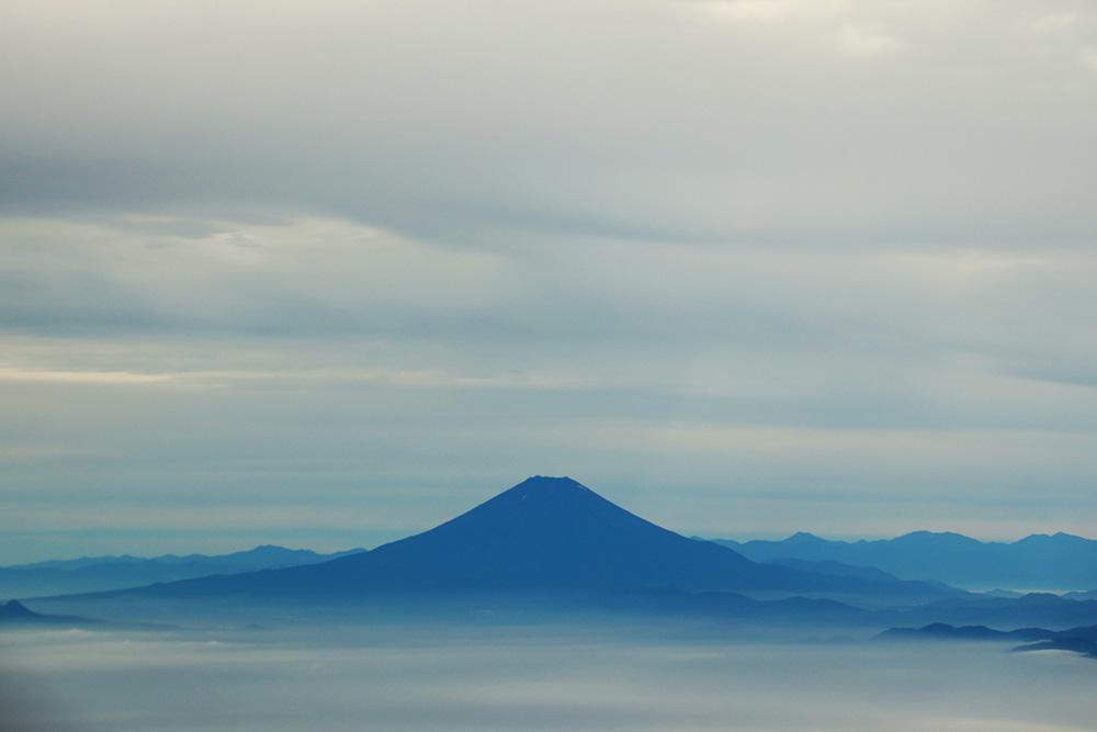 朝の富士山 飛行機から