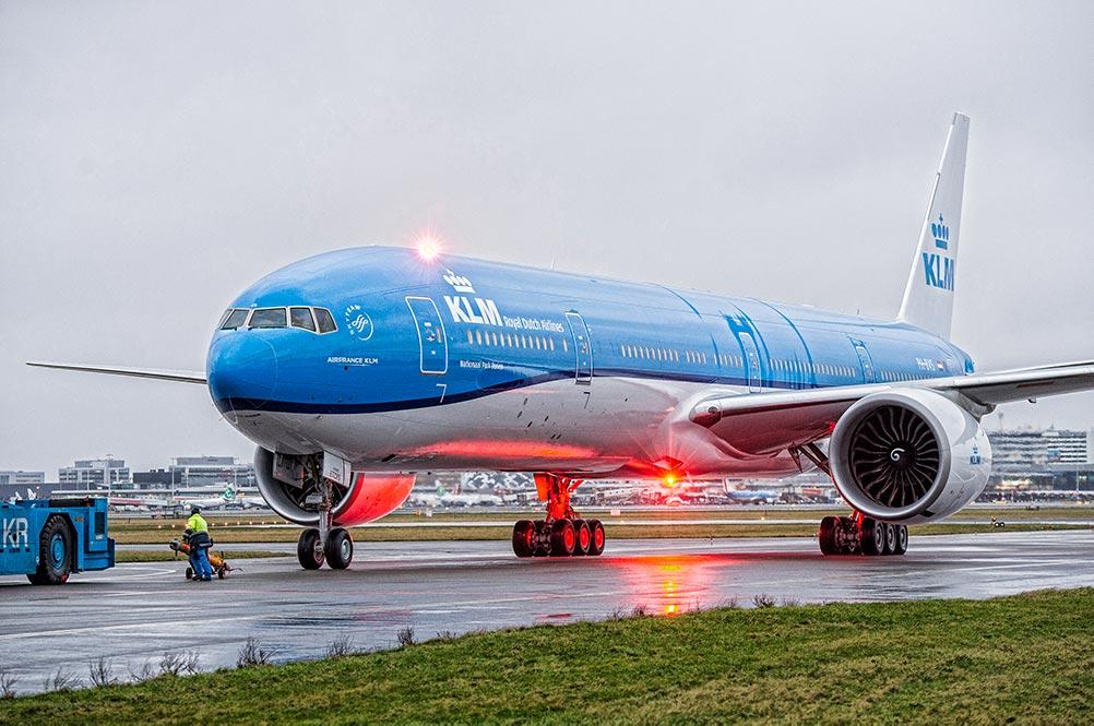 KLM 77W