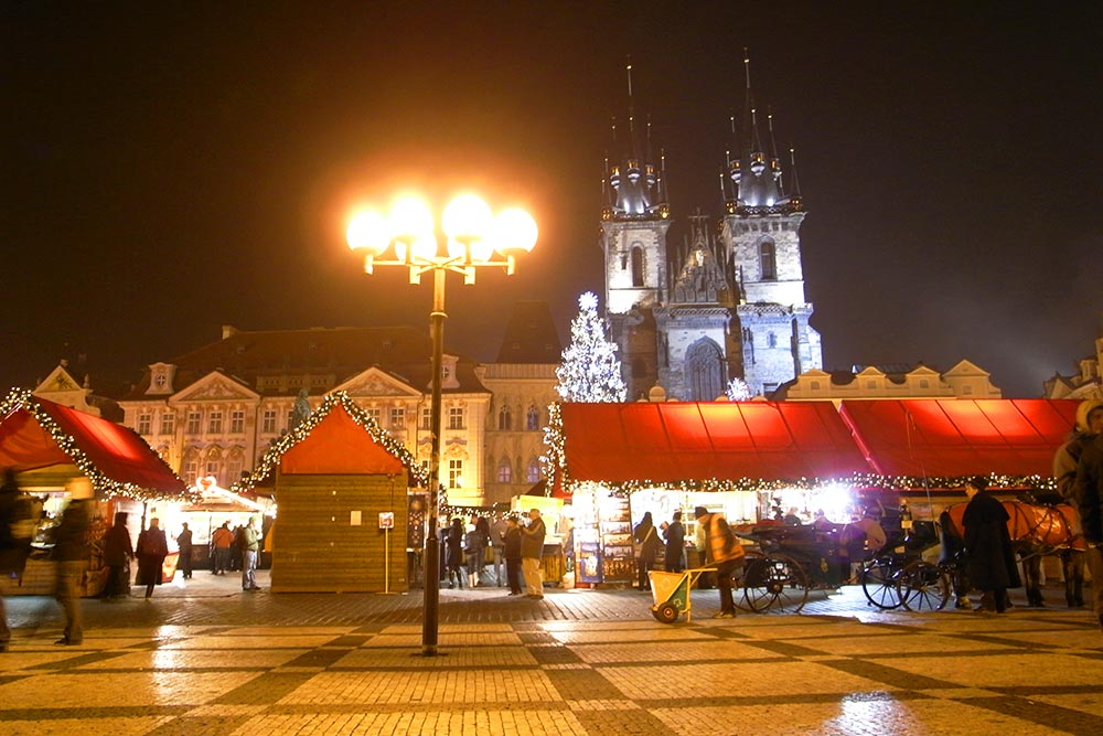 冬の夜のプラハ