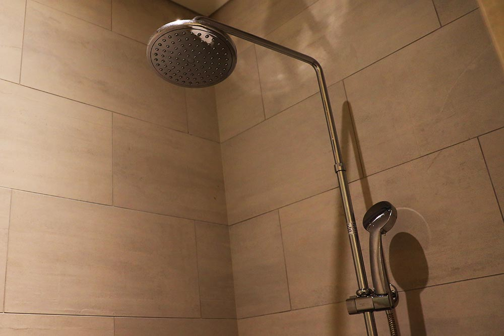 シャワーヘッド形状