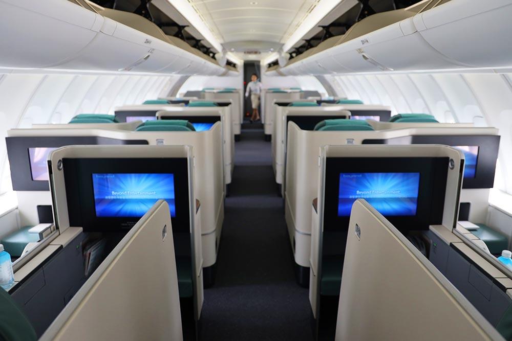 大韓航空B747-8 ビジネスクラス2階席