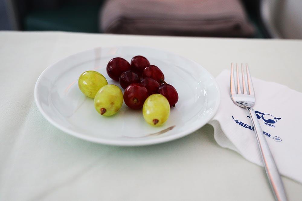大韓航空ビジネスクラス デサートフルーツ