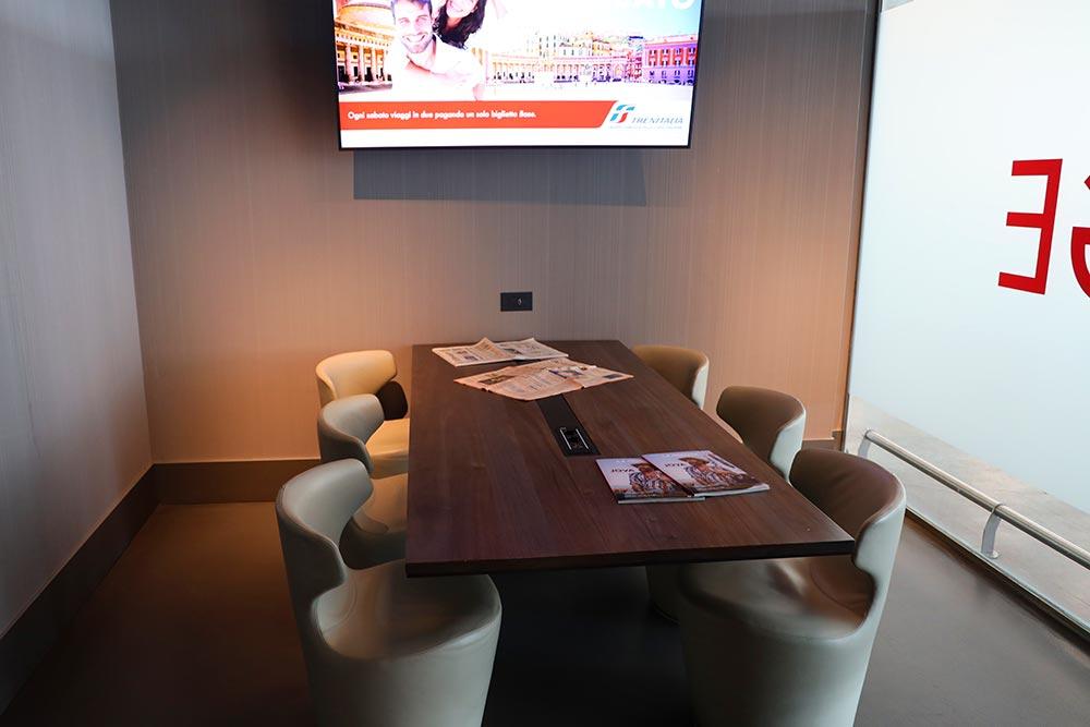 ラウンジ会議室