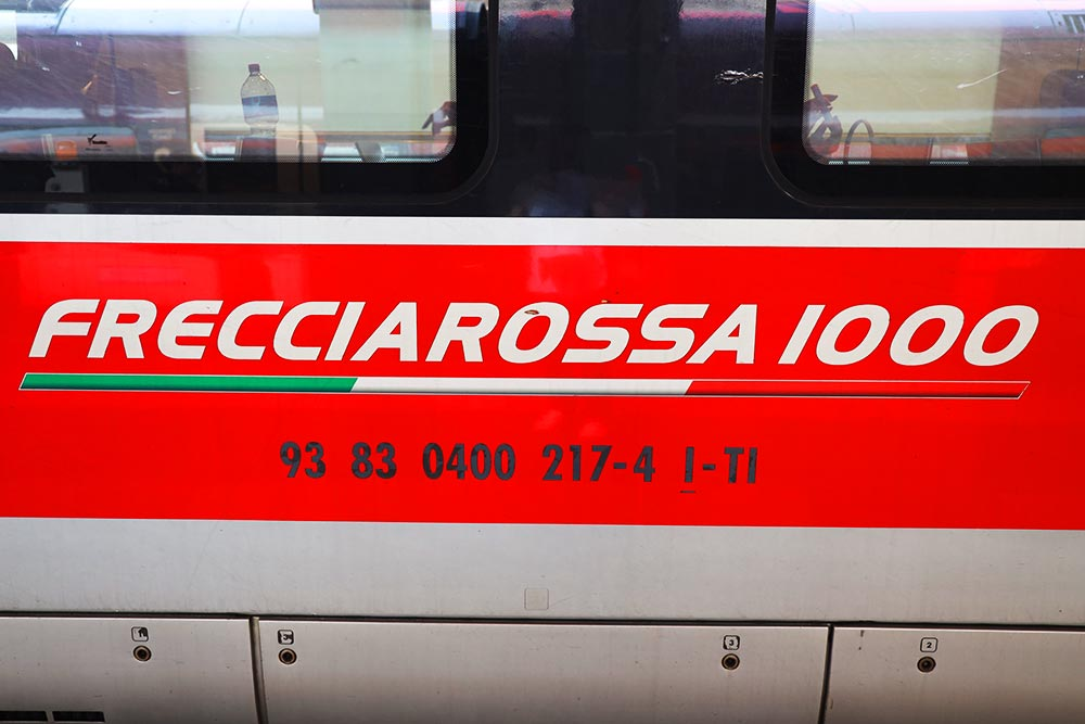 フレッチャロッサ1000