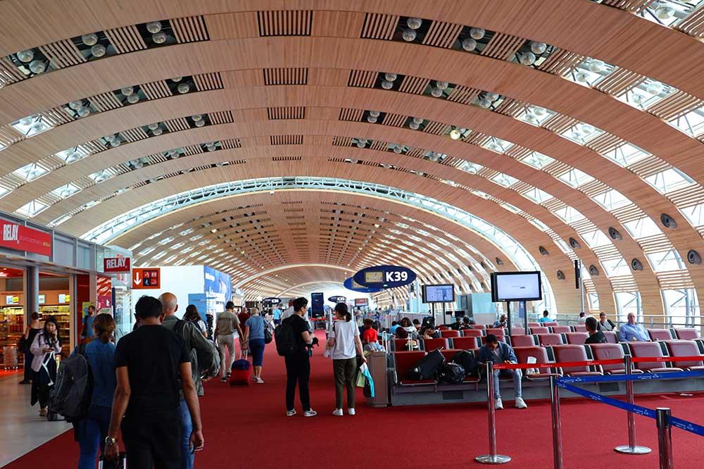 シャルルドゴール空港ターミナル