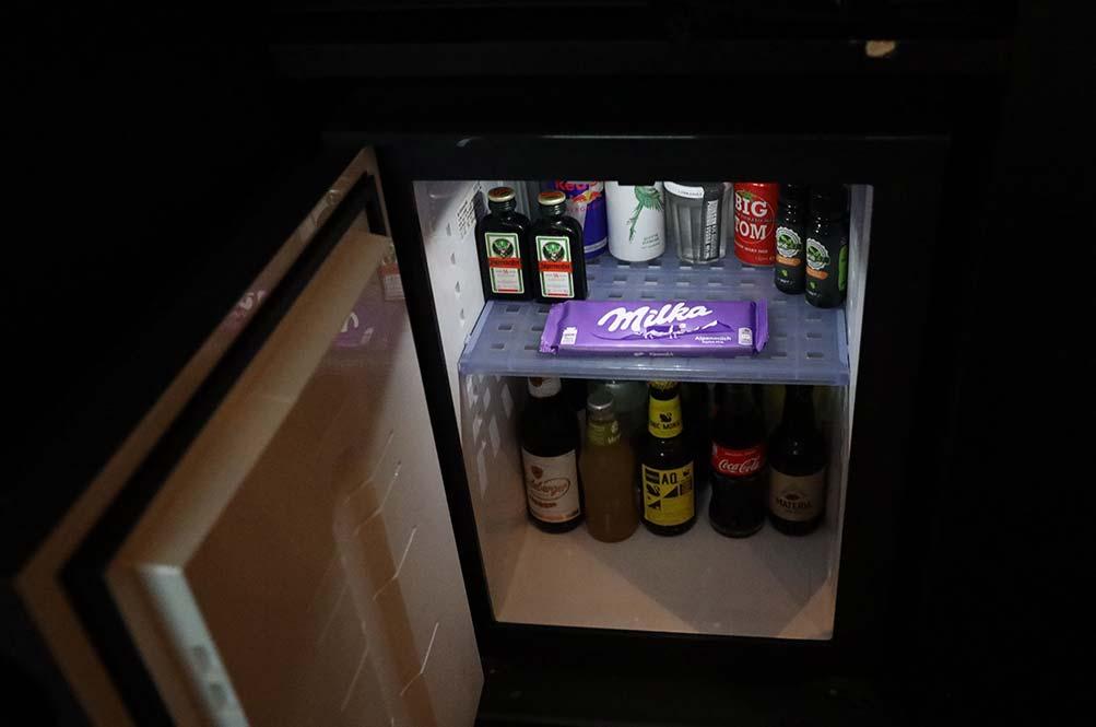 ミニバー冷蔵庫