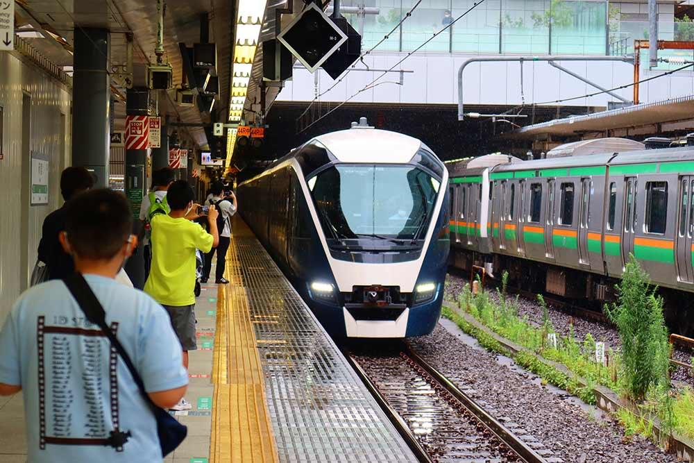 新宿駅サフィール