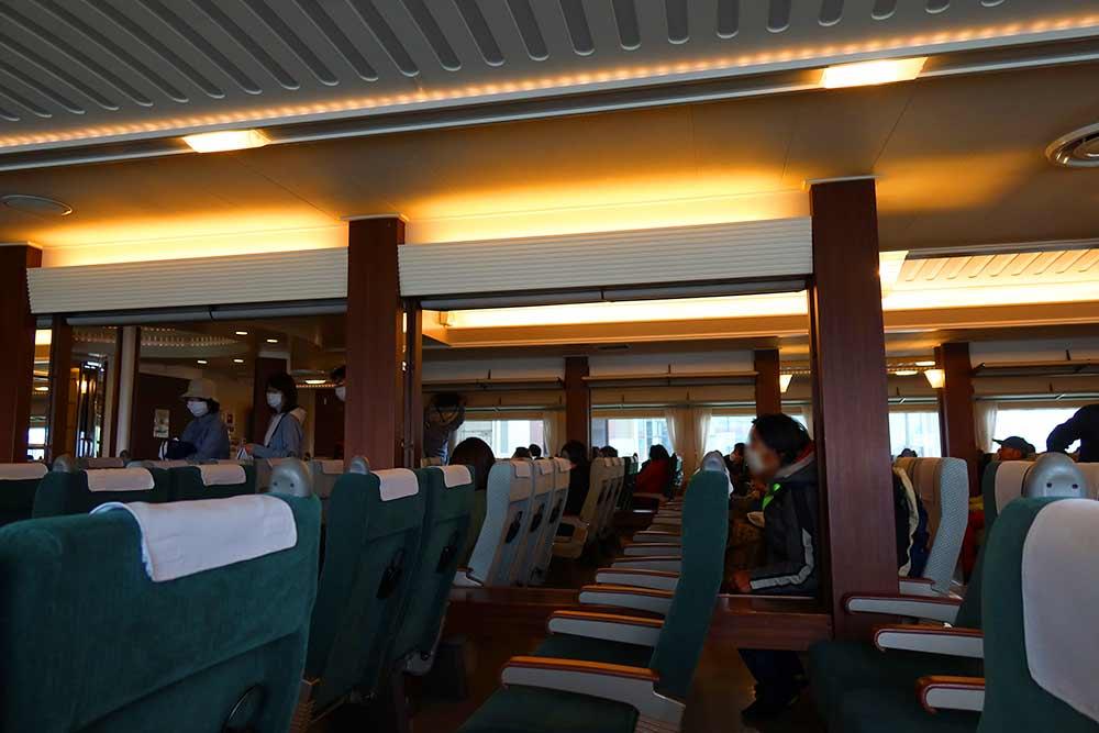 二等船室座席
