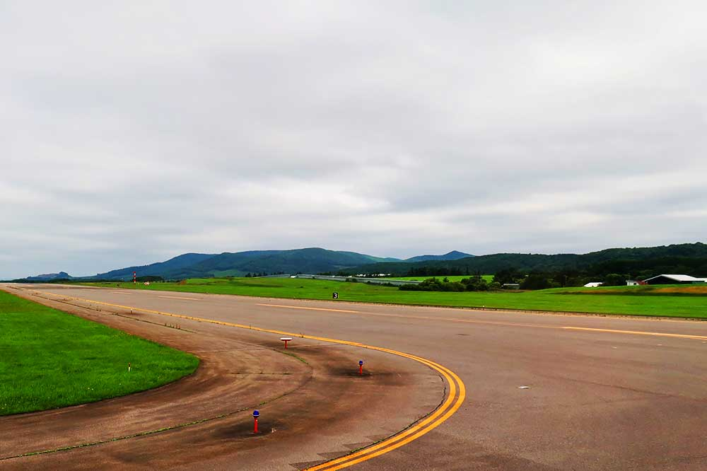 空港からの山並み