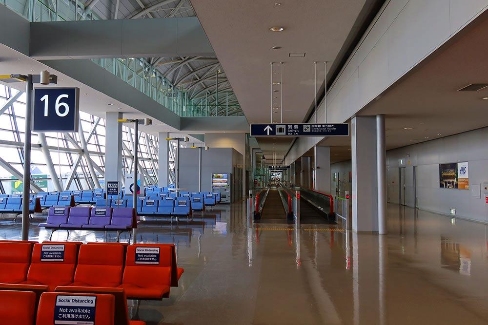 関西空港16番ゲート