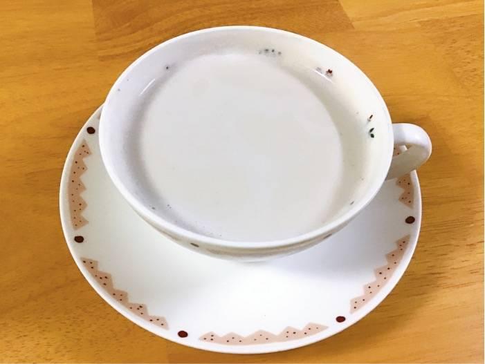 モラタメ カフェインレスほうじ茶でほうじ茶オレ