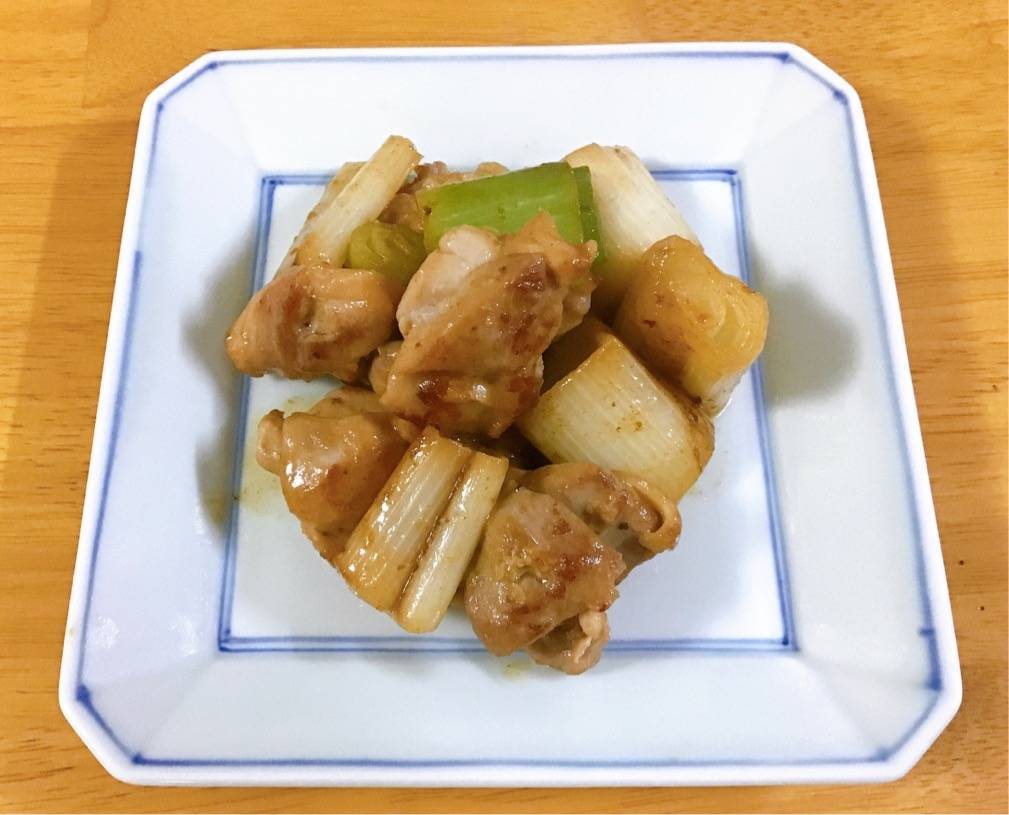 コナミソの鶏もも肉とネギのソテー