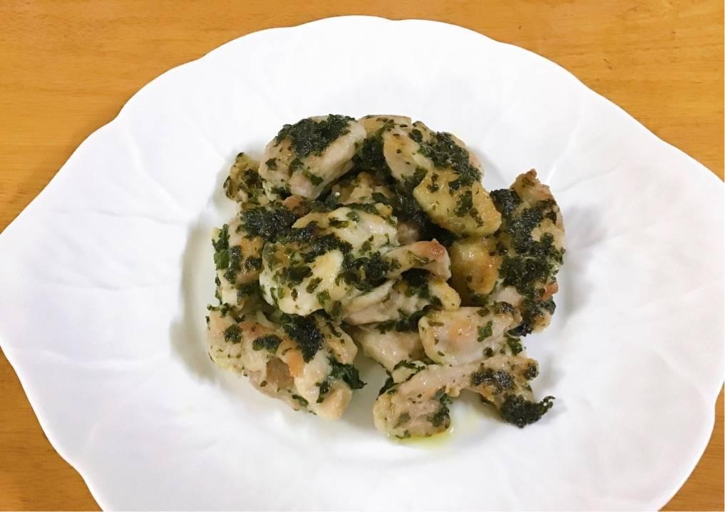 鶏肉の山盛りパセリ炒め