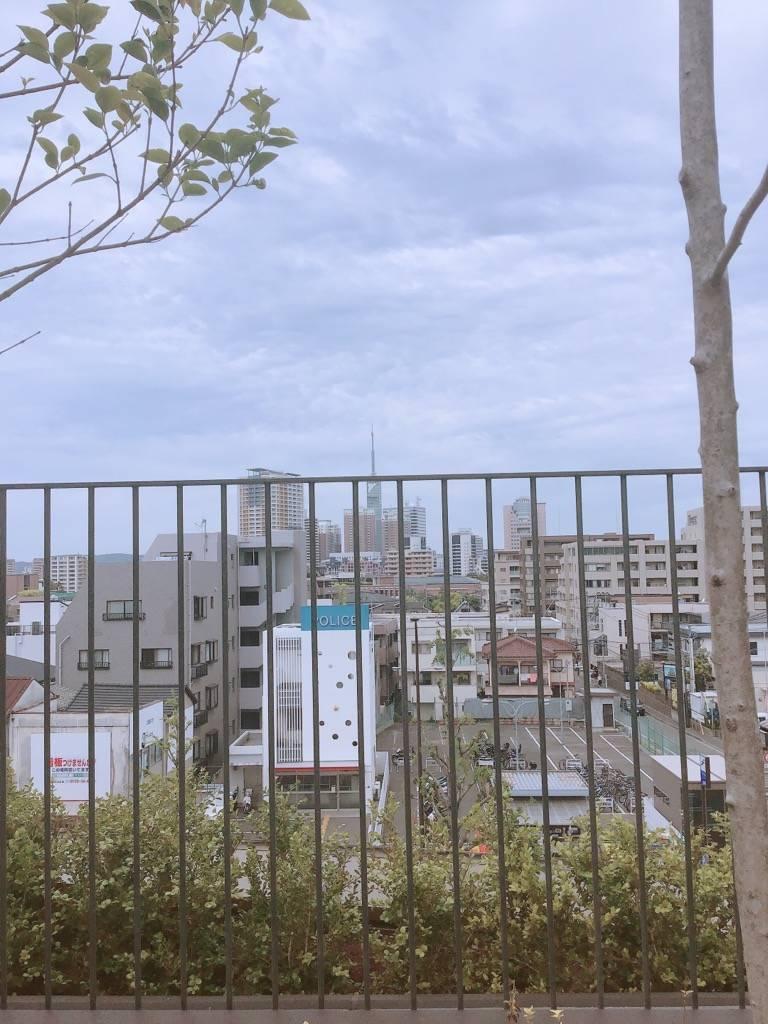 PRALIVAのルーフガーデンから見た福岡タワー