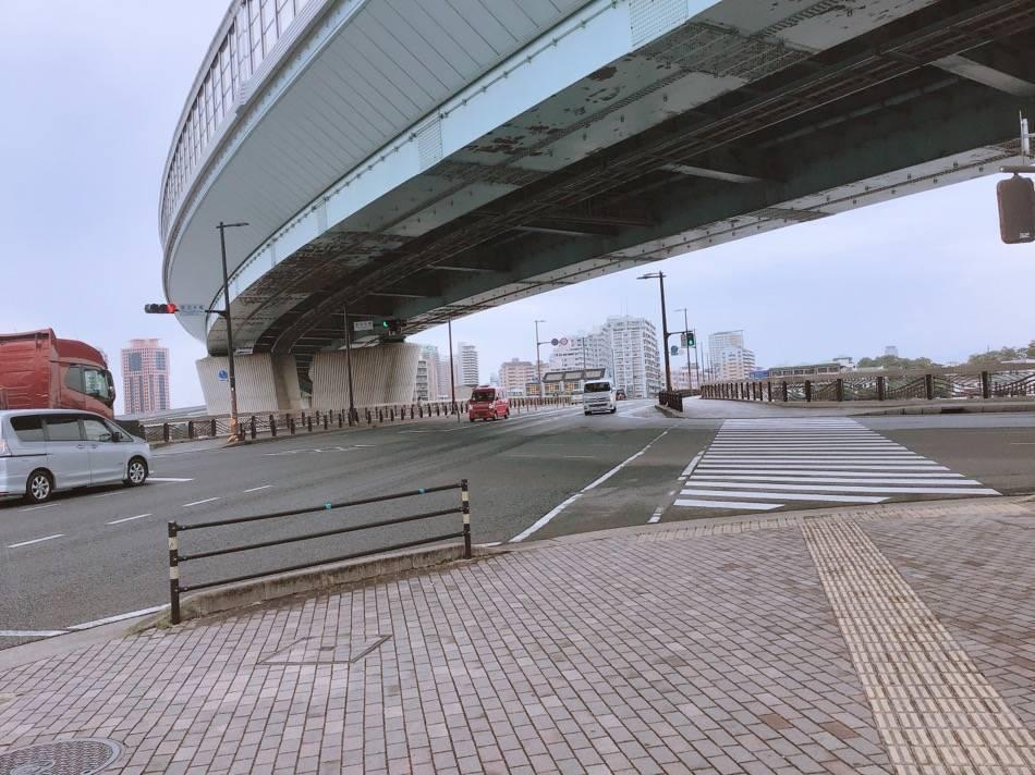 愛宕大橋の交差点