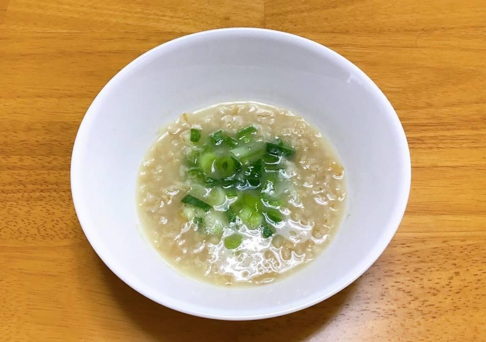 豚骨スープでつくったオートミール雑炊