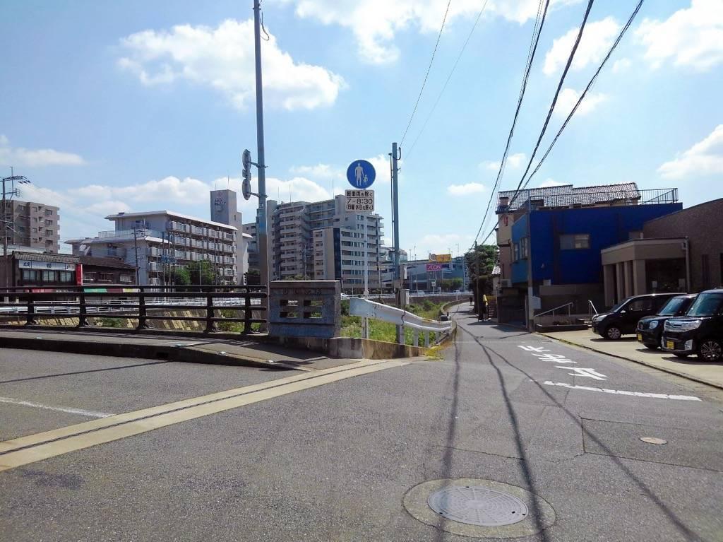 田島橋とイオン笹丘