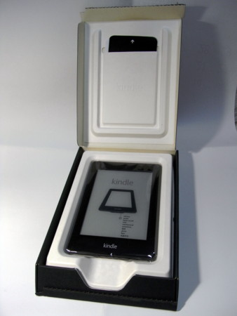 Kindle Paperwhite 開けてみた