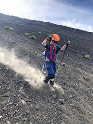 小学4年生の子供と、富士山須走コース下山