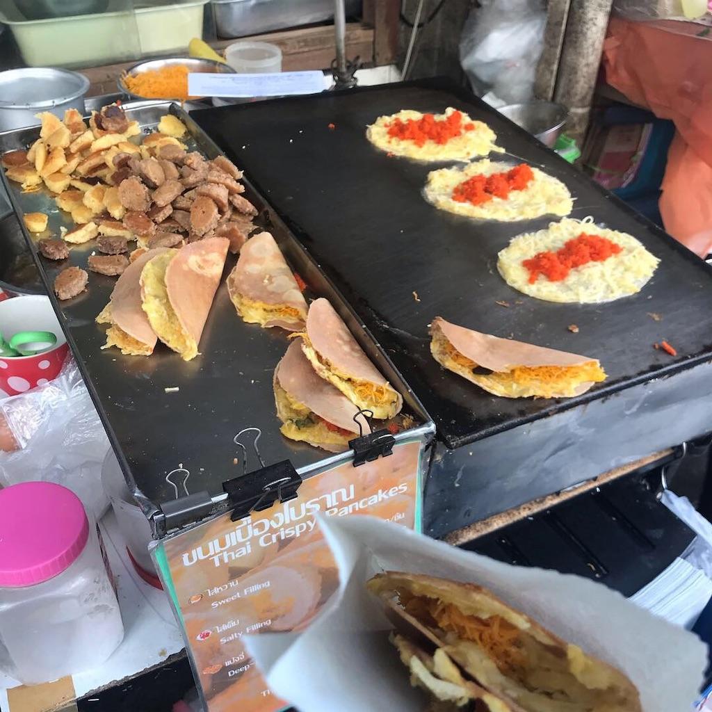 バンコクの屋台で売られているパンケーキ