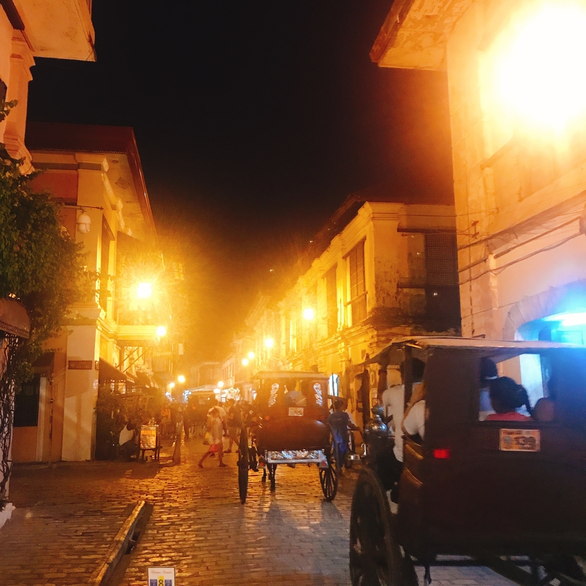 マニラから高速バスで行くことができる観光地Vigan