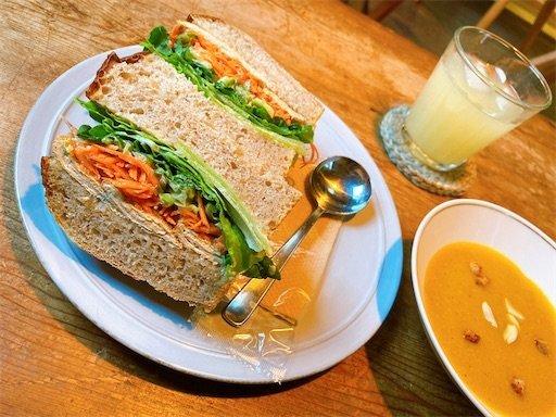 サンドイッチシノワとスープのランチ