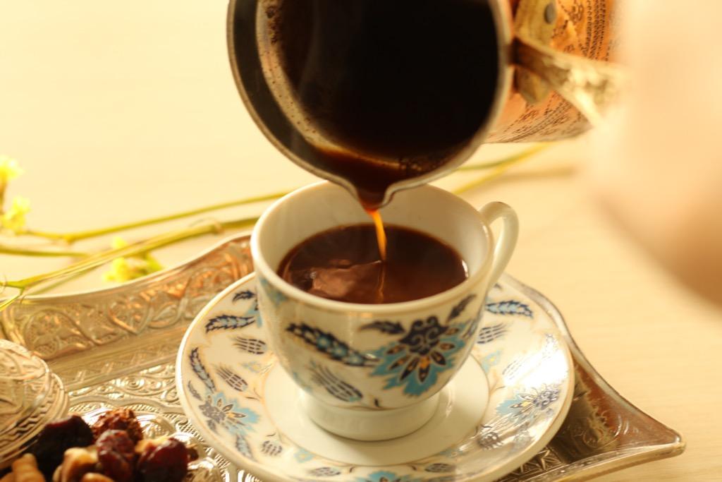 注がれるコーヒー