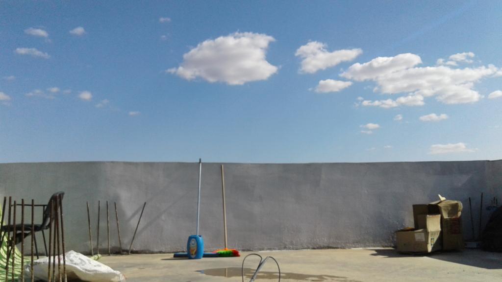 コミュニティセンタ-の屋上から見た空