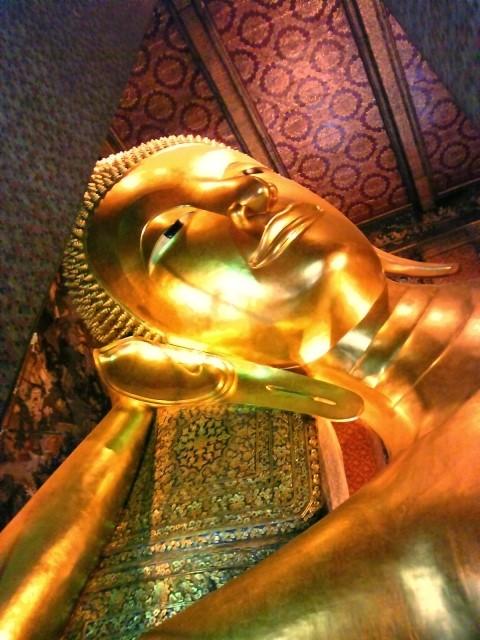バンコクの観光名所、金の大仏
