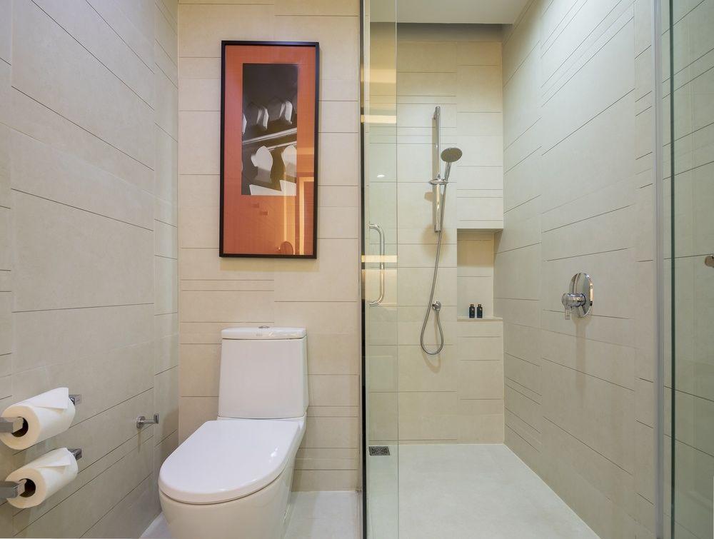 イーストングランドホテルサトーンのバスルーム