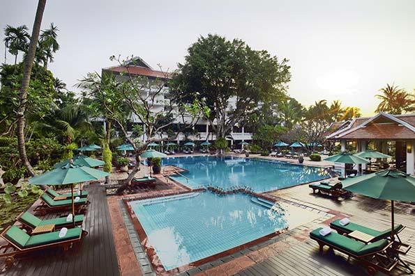 アナンタラリバーサイドバンコクのプール