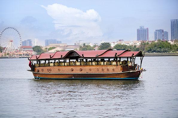 アナンタラリバーサイドバンコクのシャトルボート