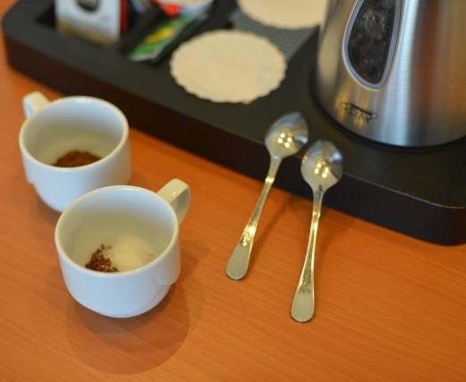 ホテルの部屋のインスタントコーヒー