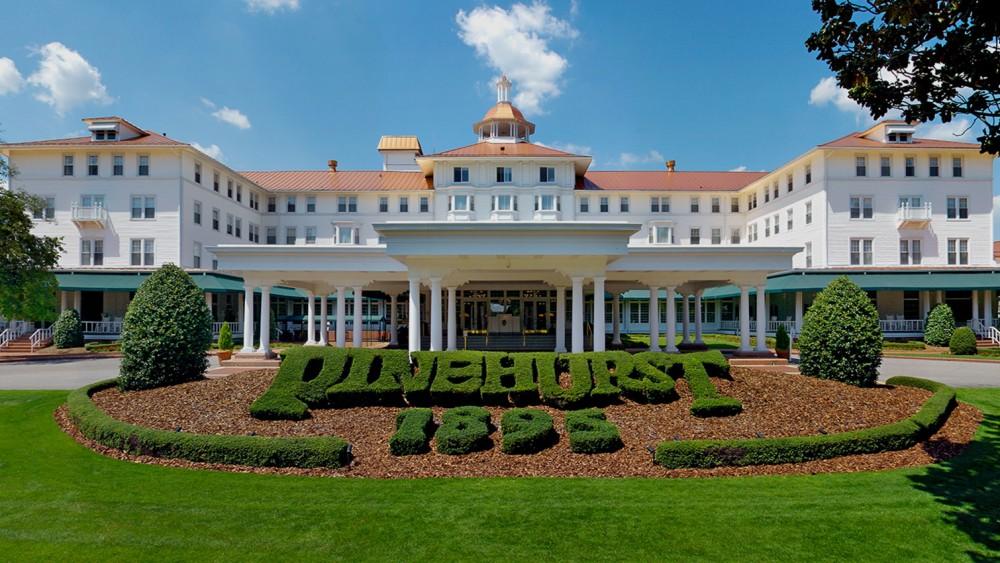 パインハーストゴルフ場併設ホテル