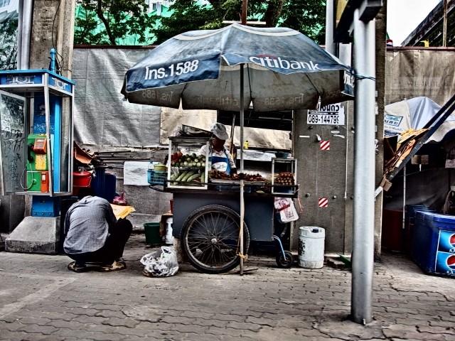 バンコクの清潔感がない街角