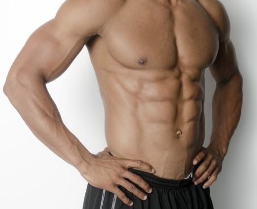 パーソナルプライベートジムで夏までに痩せた男性腹筋