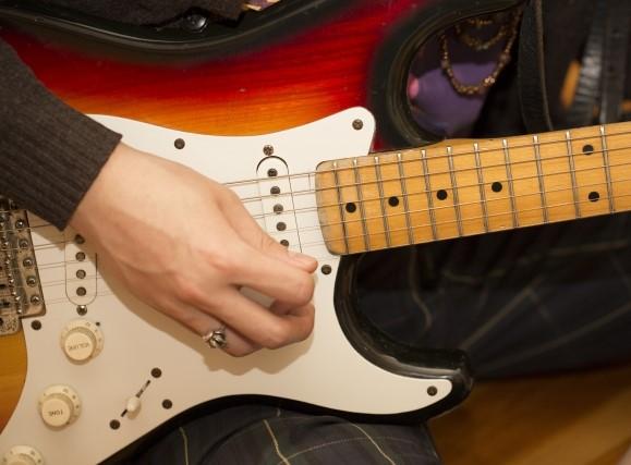 江戸川区で捨てると粗大ごみになるエレキギター
