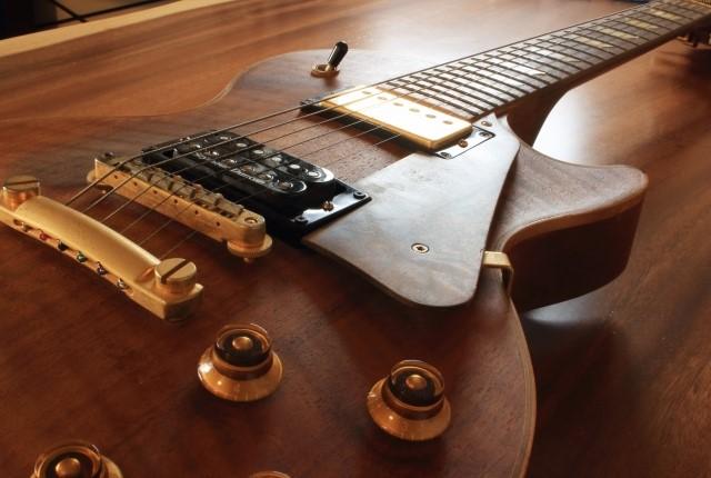 文京区で捨てると粗大ごみになるエレキギター